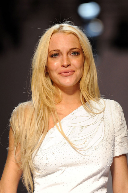 Lindsay Lohan Wasted Fashion Show Drug